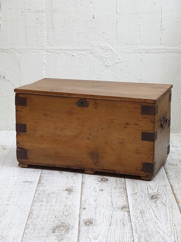 KG20b アンティークボックス