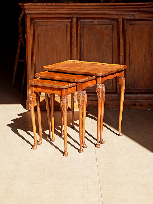KL102 アンティーク ウォルナットネストテーブル