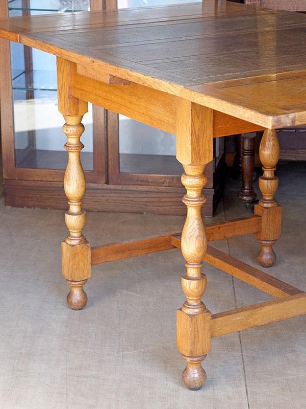 KP166 アンティーク オークドロアリーフテーブル