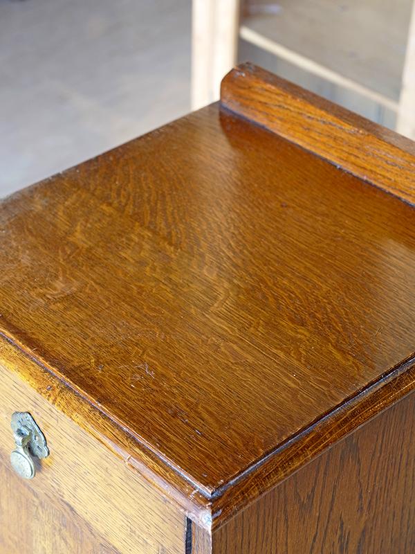 PJ1054 アンティーク オークポットカップボード